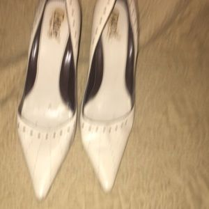 9:12 Ivory leather pumps